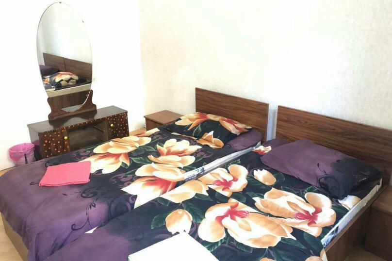2х местный с двуспальной кроватью, улица Ивана Мачабели, 11, Тбилиси - Фотография 1