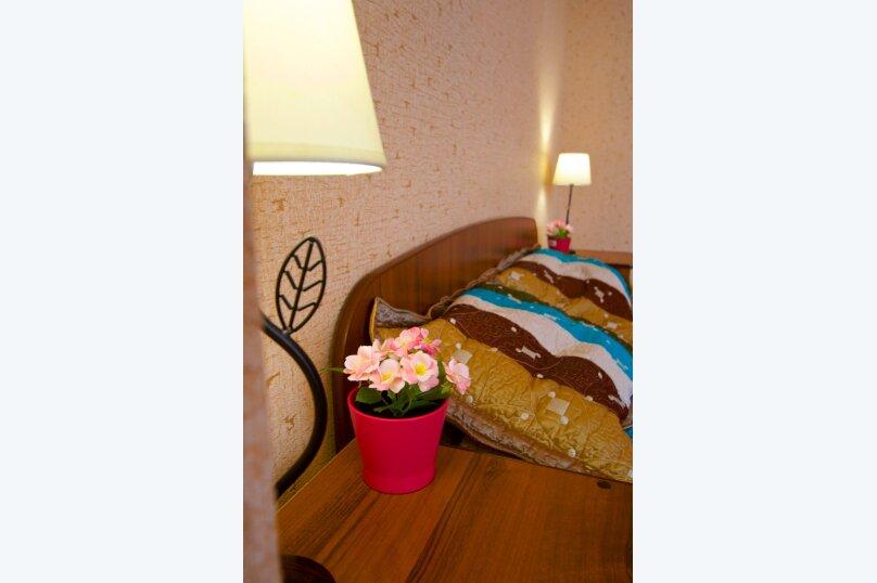 2-комн. квартира, 75 кв.м. на 8 человек, улица Авиаторов, 38, Красноярск - Фотография 7