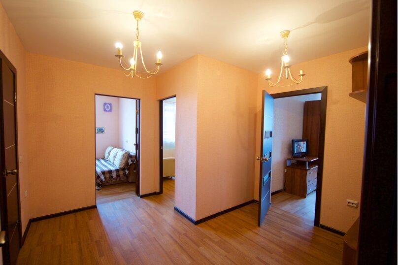 2-комн. квартира, 75 кв.м. на 8 человек, улица Авиаторов, 38, Красноярск - Фотография 11