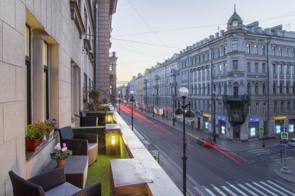 Отель, Невский проспект, 107 на 9 номеров - Фотография 1