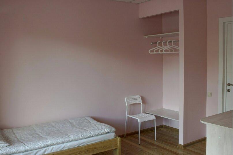 Отдельный двухместный номер с раздельными кроватями и собственной ванной комнатой, Байкальская улица, 234 В/7, Иркутск - Фотография 1