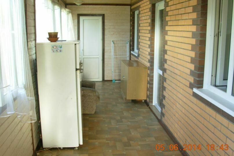 Дом с большой террасой, 76 кв.м. на 6 человек, 2 спальни, пос. Ермолино, улица Мира, 40А, Боровск - Фотография 6