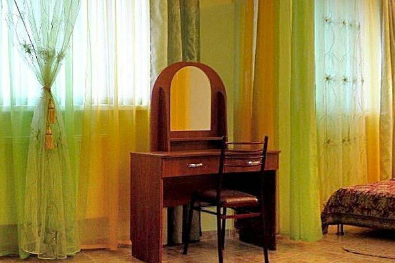 """Гостевой комплекс """"Изумрудная"""", Советская, 15 на 29 комнат - Фотография 1"""