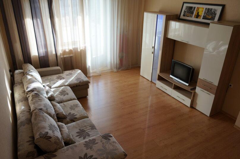 1-комн. квартира, 48 кв.м. на 4 человека, улица Авиаторов, 33, Красноярск - Фотография 2