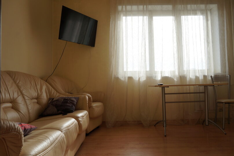 1-комн. квартира, 48 кв.м. на 4 человека, улица Авиаторов, 33, Красноярск - Фотография 14