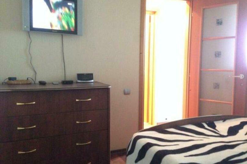 1-комн. квартира, 34 кв.м. на 4 человека, Октябрьская улица, 19А, Казань - Фотография 3