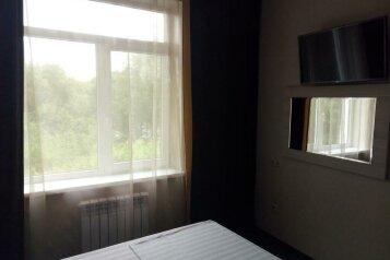 Студия люкс:  Номер, Люкс, 2-местный, Отель, проспект Шолохова на 22 номера - Фотография 3