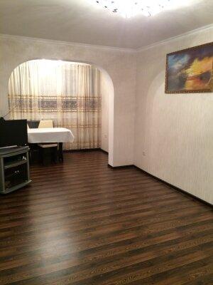 2-комн. квартира, 50 кв.м. на 5 человек, улица Абазгаа, 47/2, Гагра - Фотография 1