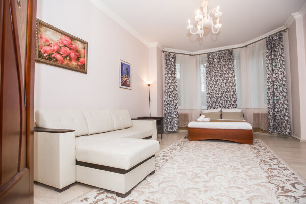 2-комн. квартира, 71 кв.м. на 6 человек, Кутузовский проспект, 26к1, Москва - Фотография 1