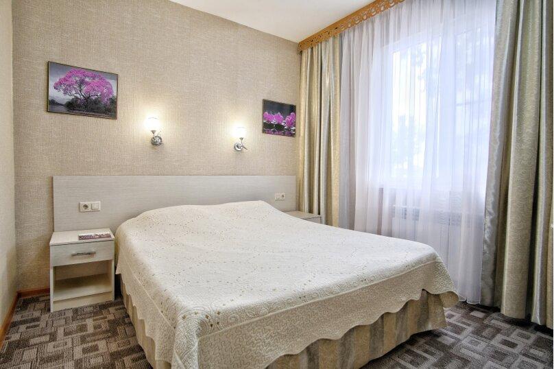 Двухкомнатный апартамент, территория ОК Прометей, 1, Небуг - Фотография 1