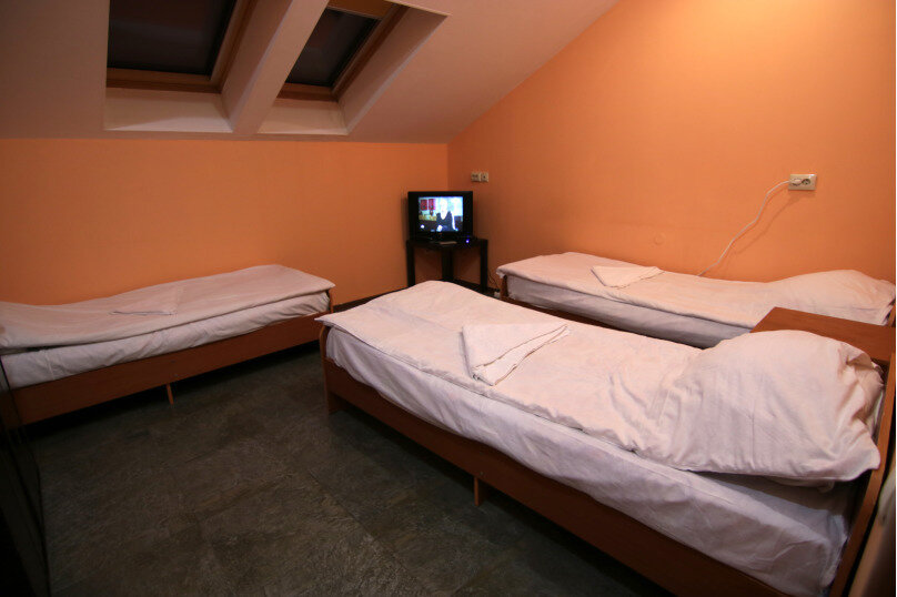 Место в 3-х местном номере, улица Мира, 161, Адлер - Фотография 1
