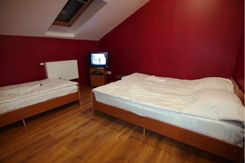 Место в 3-местном женском номере, улица Мира, 161, Адлер - Фотография 1