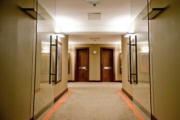 Отель, улица Дзержинского, 6 на 77 номеров - Фотография 2