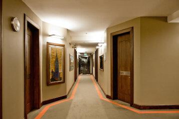 Отель, улица Дзержинского, 6 на 77 номеров - Фотография 3