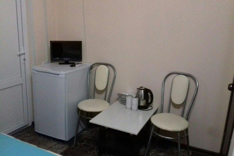 4-х местный с удобствами в номере (2+1+1), улица Овражная, 14, Соль-Илецк - Фотография 1