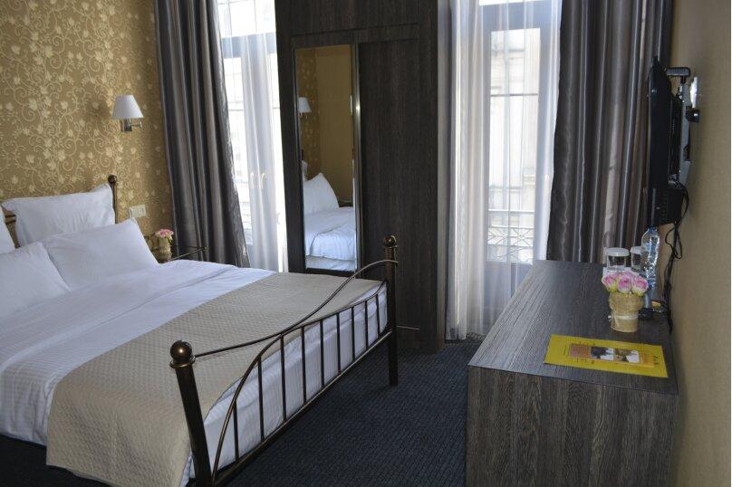 Стандартный двухместный с одной кроватью, улица Котэ Марджанишвили, 16Б, Тбилиси - Фотография 1