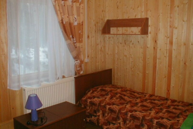 Койко-место в трехместном номере, поселок Чална, 7, Петрозаводск - Фотография 1