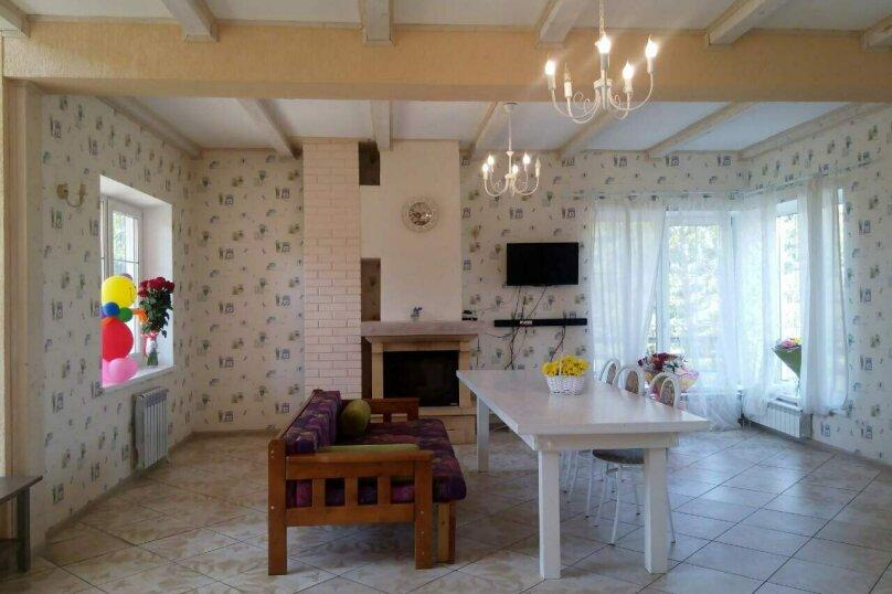 Просторный, светлый дом, для Вас, 140 кв.м. на 14 человек, 4 спальни, д. Рохма, 7, Санкт-Петербург - Фотография 12