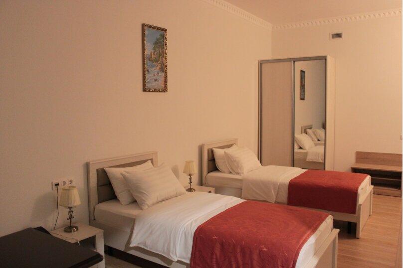 Стандартный двухместный с двумя отдельными кроватями, Тоннельная улица, 23Б, Завокзальный район, Сочи - Фотография 1