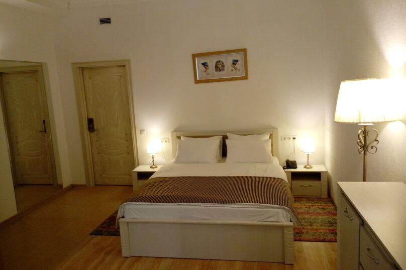 Стандартный двухместный с одной двухспальной кроватью, Тоннельная улица, 23Б, Завокзальный район, Сочи - Фотография 1