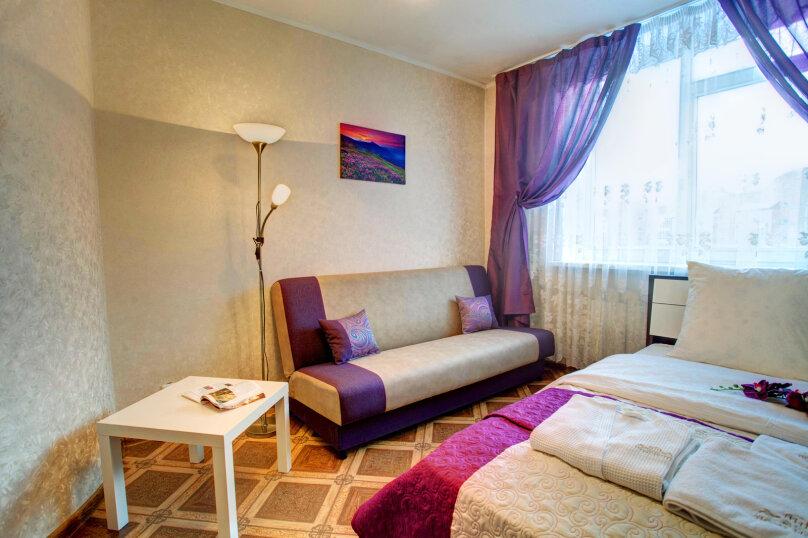 1-комн. квартира, 40 кв.м. на 4 человека, улица Алексеева, 27, Красноярск - Фотография 3