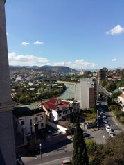 3-комн. квартира, 100 кв.м. на 6 человек, Юнкеров 1, Тбилиси - Фотография 2