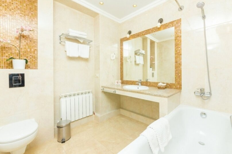 Отель Богема, Гребенская улица, 11 на 18 номеров - Фотография 26