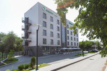 Мини-отель, улица Кирова на 36 номеров - Фотография 2