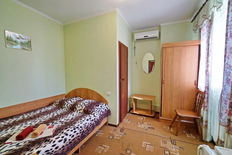 """Гостевой дом """"Кубаночка"""", Кубанская, 3 на 16 комнат - Фотография 32"""