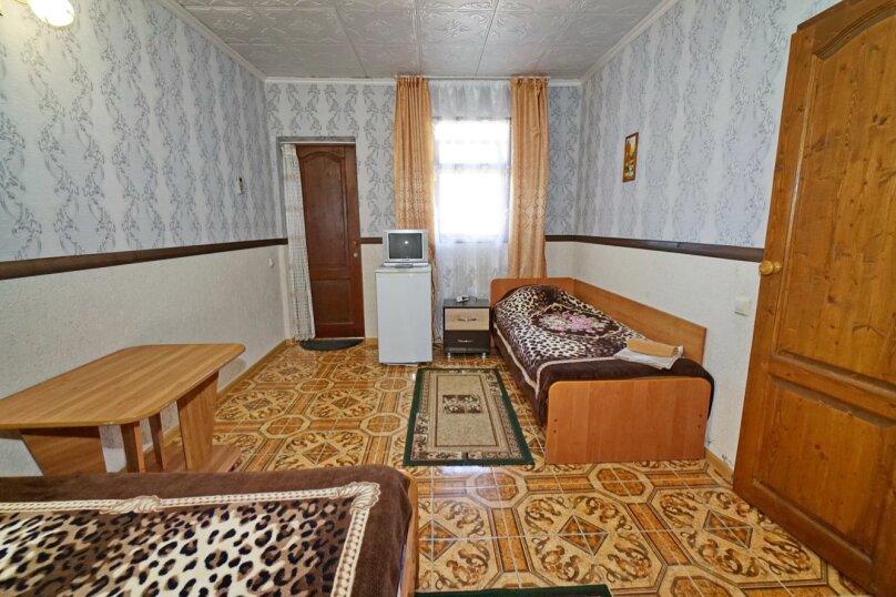"""Гостевой дом """"Кубаночка"""", Кубанская, 3 на 16 комнат - Фотография 35"""