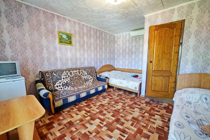 """Гостевой дом """"Кубаночка"""", Кубанская, 3 на 16 комнат - Фотография 38"""