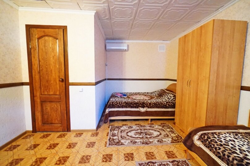 """Гостевой дом """"Кубаночка"""", Кубанская, 3 на 16 комнат - Фотография 50"""