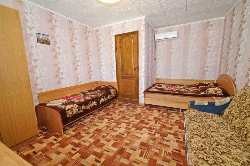 """Гостевой дом """"Кубаночка"""", Кубанская, 3 на 16 комнат - Фотография 59"""