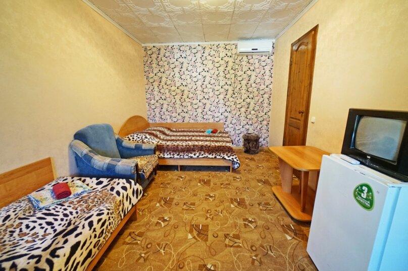 """Гостевой дом """"Кубаночка"""", Кубанская, 3 на 16 комнат - Фотография 61"""