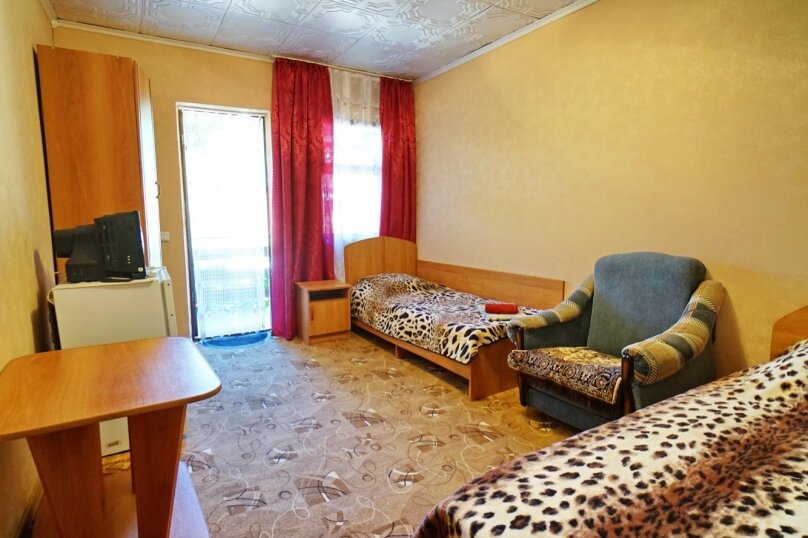 """Гостевой дом """"Кубаночка"""", Кубанская, 3 на 16 комнат - Фотография 62"""