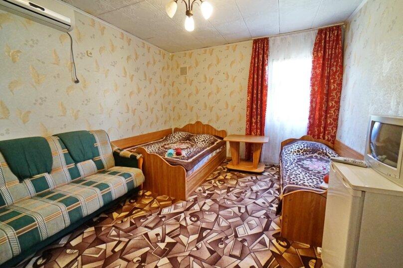 """Гостевой дом """"Кубаночка"""", Кубанская, 3 на 16 комнат - Фотография 65"""