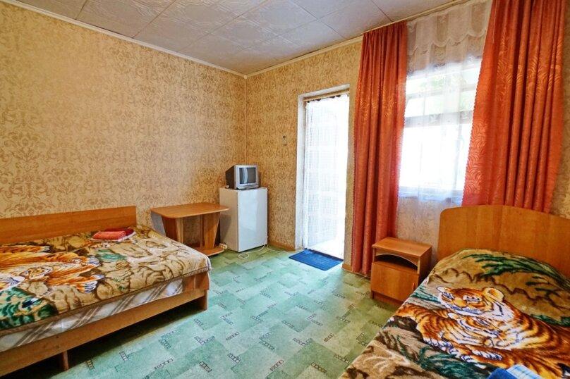"""Гостевой дом """"Кубаночка"""", Кубанская, 3 на 16 комнат - Фотография 70"""