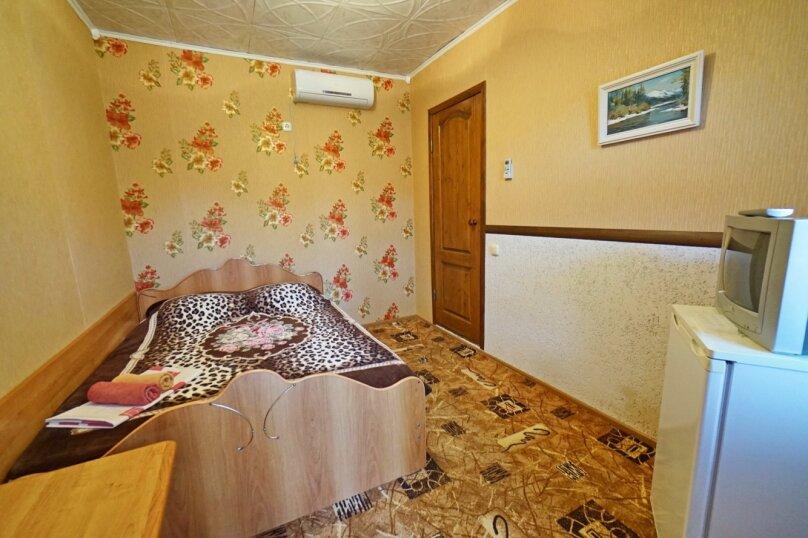 """Гостевой дом """"Кубаночка"""", Кубанская, 3 на 16 комнат - Фотография 71"""