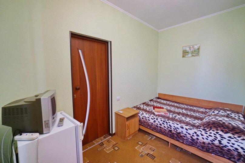 """Гостевой дом """"Кубаночка"""", Кубанская, 3 на 16 комнат - Фотография 76"""