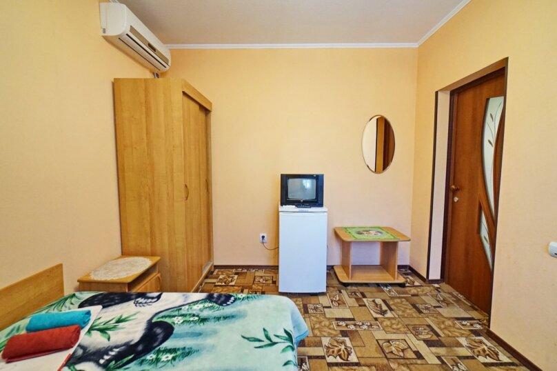 """Гостевой дом """"Кубаночка"""", Кубанская, 3 на 16 комнат - Фотография 79"""