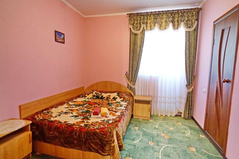 четырехместный двухкомнатный № 16, Кубанская, 3, Ольгинка - Фотография 1