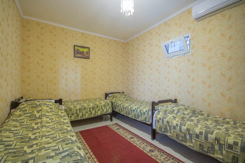 Четырехместный эконом с удобствами на этаже, Приветливая улица, 12, Кабардинка - Фотография 1