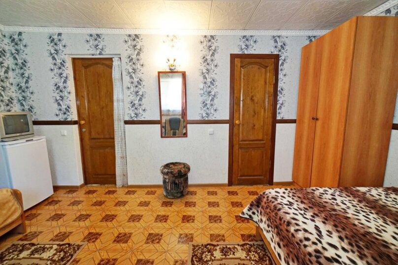 """Гостевой дом """"Кубаночка"""", Кубанская, 3 на 16 комнат - Фотография 104"""