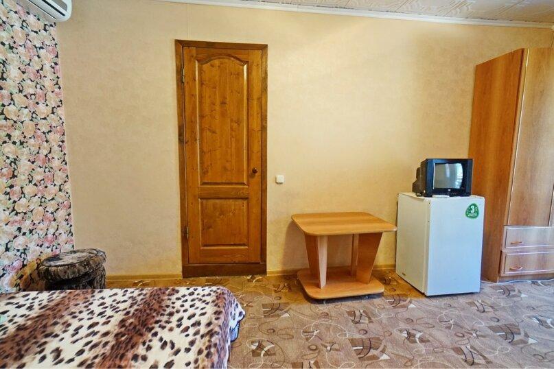 """Гостевой дом """"Кубаночка"""", Кубанская, 3 на 16 комнат - Фотография 121"""