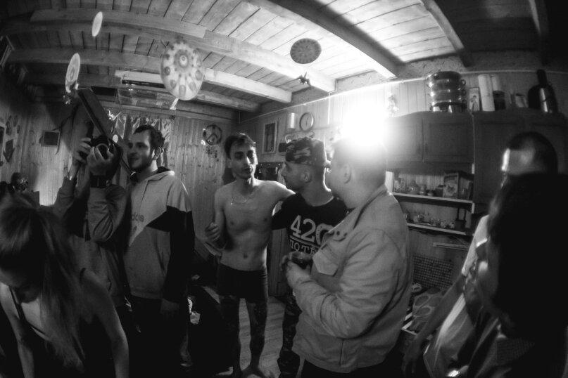 Коттедж в лесу с баней, 90 кв.м. на 15 человек, Рахья, Строителей, уч 4, Санкт-Петербург - Фотография 38