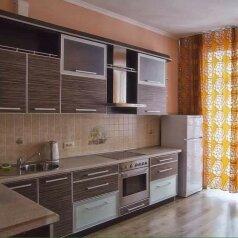 1-комн. квартира, 54 кв.м. на 4 человека, улица Ленина, 94, Площадь Гарина-Михайловского, Новосибирск - Фотография 4