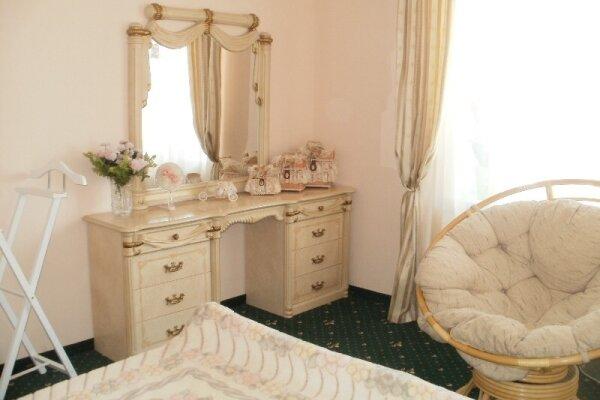 Гостевой дом, 260 кв.м. на 10 человек, 4 спальни, Таврическая улица, 26, Ялта - Фотография 1