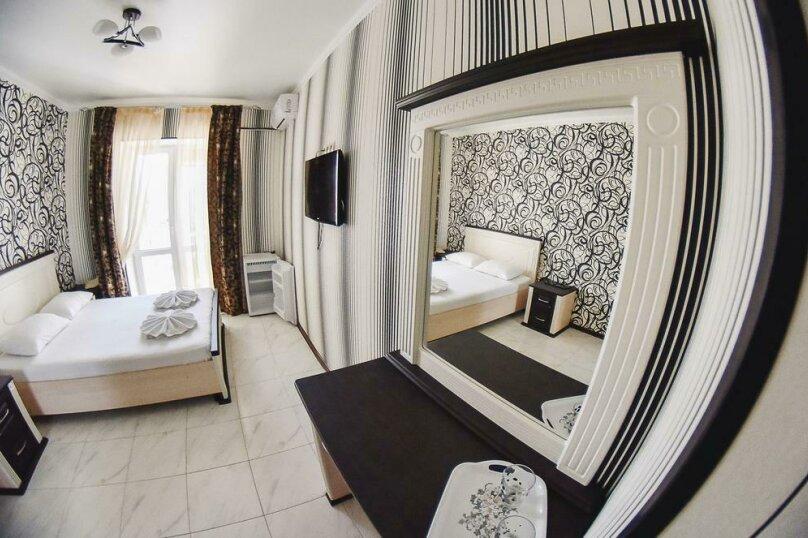 Люкс 2-х комнатный 5-ти местный с балконом, Александрийский проезд, 1, Витязево - Фотография 1