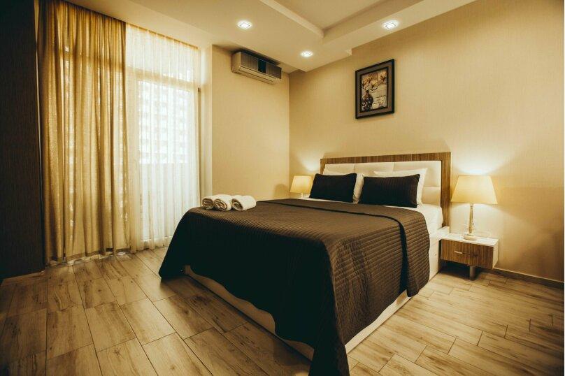 """Отель """"Holiday Check Inn Batumi"""", улица Шерифа Химшиашвили, 15 на 15 номеров - Фотография 24"""