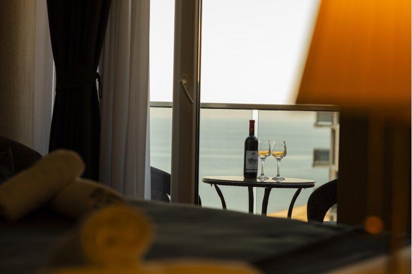 """Отель """"Holiday Check Inn Batumi"""", улица Шерифа Химшиашвили, 15 на 15 номеров - Фотография 9"""